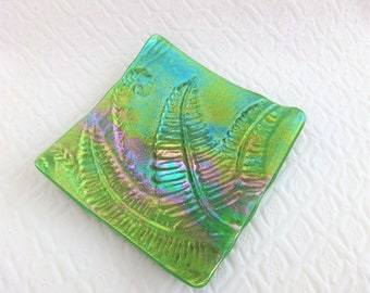 Green Luminescent Fused Glass Art Dish, Fused Glass Spring Leaves Plate, Tealight Candle Holder, Trinket Tray, Small Glass Plate
