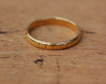Vintage 22K Tiffany & Company engraved wedding band ∙ 22K Tiffany wedding band