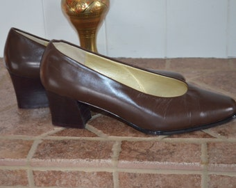 Get 15% off with code NEW15 shoes leather 90's Brown 8 US
