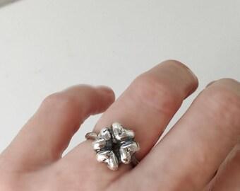 Clover Heart Ring
