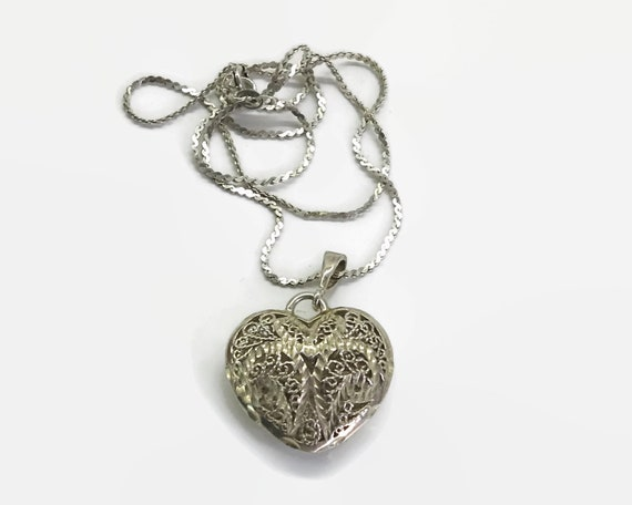 Sterling silver puffy heart pendant on sterling silver chain, diamond cut and filigree heart, cobra link chain, 9 grams