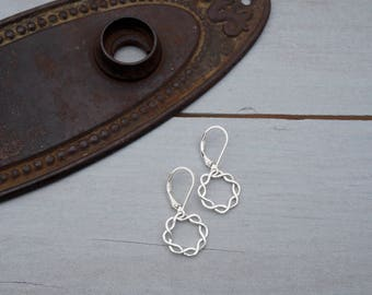 Silver Filigree Earrings / Sterling Silver Filigree Earrings / Filigree Earrings / Silver Filigree / Lightweight Filigree Earrings / Claudia