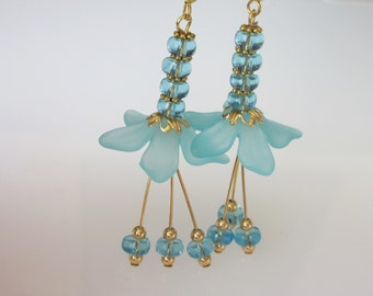 Crystal Flower Earrings, Blue Wedding Earrings, Blue Dangle Earrings, Bridal Jewelry, Blue Flower Earrings, Aquamarine Crystal