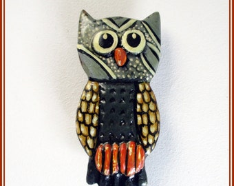 Handmade owl brooch, hand-painted brooch, gray and orange owl brooch, animal lover brooch, handmade brooch, gift for her, handmade jewelry