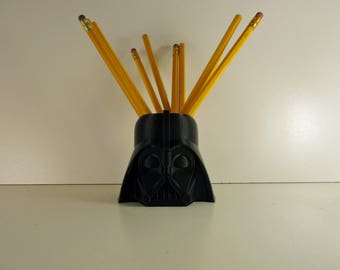 3d Pennehouder Star Wars printed in ECO PLA material for your desk