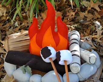 Kids Campfire Handmade Felt Toy, Pretend Flame Rocks Logs and Marshmallows
