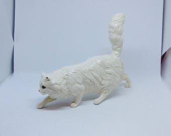 Royal Doulton white persian cat ceramic