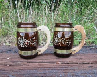 Siesta Ware Western Theme Vintage Two Brown Glass Mugs Wood Handle Wagon Wheel Yoke Brands