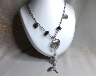 Original necklace, heart and silver padlock, with glass beads