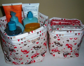 set of 2 baskets cars/flags