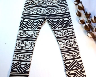 RTS 2/3T Aztec lightweight knit LEGGINGS