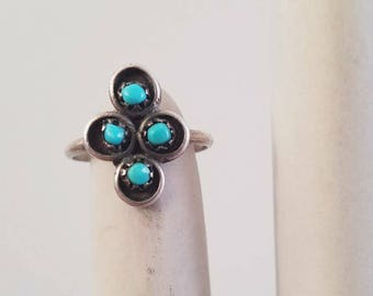 1970's Turquoise Zuni Sterling Silver Womens Ring Size 4.5 by Maeberry Vintage