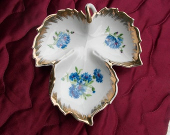 Blue Floral Leaf Design Vintage Candy / Nut Dish with Gold Trim (*1529)