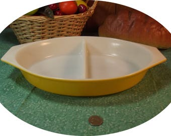 Vintage Pyrex Divided Lemon Yellow Casserole Serving Dish - 1 1/2 Quart