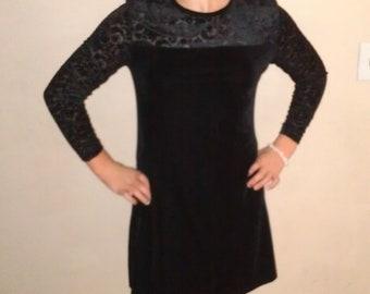 Vtg Jacqueline Ferrar little black dress with a gorgeous sheer top (6 p)