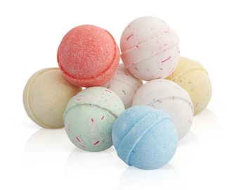 Bath Bombs Gift Set - 8 x 60g Fizzies with Essential Oils - Handmade In UK Natural Aromatherapy Spa Gifts Set
