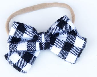 Black and white tie bow