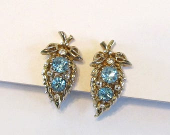Vintage Coro Blue Rhinestone Screw Back Earrings