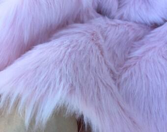 ROSEWATER - Pale Pink BUDGET Faux Fur - Fat 1/4 ( 50 x 70 )