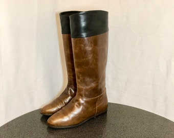 Sz 6.5 Vintage Tall Two Tone Brown and Black Genuine Leather 1980s Women Flat Italian Made Pull On Riding Boots.
