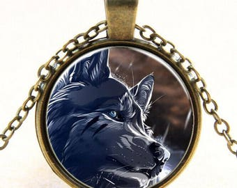 Wolf necklace / wolf