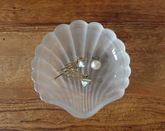 Opaline, France vintage shell bead caps