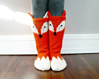 KNITTING PATTERN - Little Foxy Socks