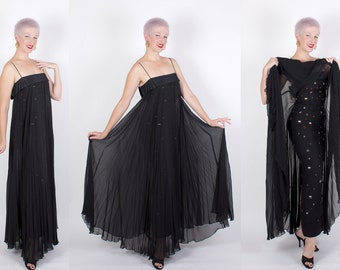 SO COUTURE 1950s Inky Black Sheer Pleated Silk Chiffon Over Hourglass Silk Crepe w Metallic Gold Discs Evening Gown by Tee-Ca New York - M