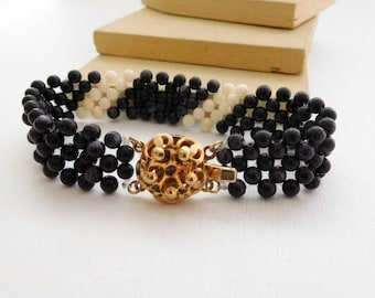 Vintage Black White Woven Glass Bead Gold Floral Clasp Bracelet O16