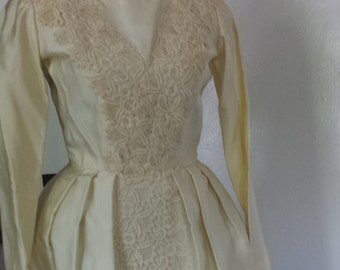 Vintage 69s wedding dress xs