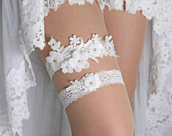 Off White Satin Flower Appliques Bridal Cristal Garter Set For Wedding, White Lace Garter, Wedding Garter, Boho Wedding Garter, Toss Garter