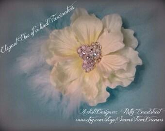 Elegant Fascinator Hair Clip Ivory White