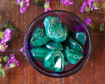Large Malachite Tumbled Gemstone Specimen Polished Green Reiki Wicca Crystal Healing Stone for Fertility, Protection, Peaceful Relationships