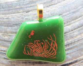 0068 - 22k Gold Seahorse Fused Glass Pendant