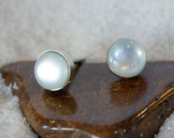 Titanium Stud Earrings Mother of Pearl Gemstone / 6mm Cabochon Bezel Set / Hypoallergenic Earrings Studs