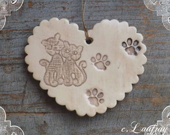 Heart in earthenware with Scalloped edges, beige/linen effect aged, deco cats in love