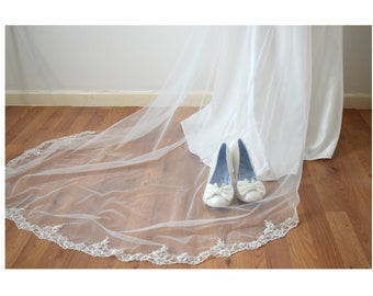Forget Me Not Lace Veil