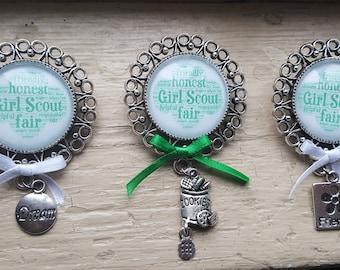 Handmade Girl Scout Brooch - Girls Scouts Brownies Daisies