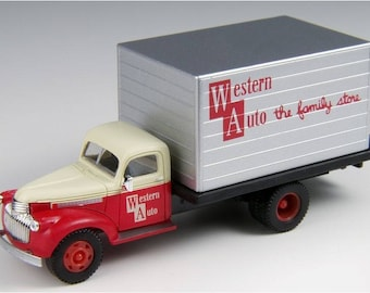 Classic Metal Works HO New 1941 to 1946 Chevrolet Box Truck Western Auto Supply Detailed