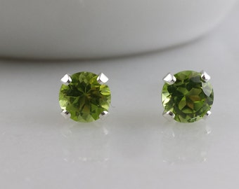 Sterling Silver Peridot Green Gemstone Stud Earrings - August Birthstone Earrings- 5mm Peridot Studs