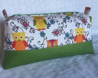 Owls and glitter vinyl Makeup bag, Owl Toiletry Bag,Boxy Cosmetic Pouch,Large storage pouch,Project Bag,Travel Pouch,First Aid supplies,Bath