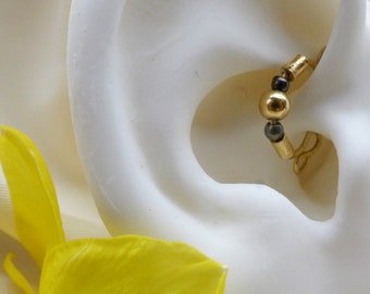 Earcuff*daith*septal nose ring*helix*no piercing cartilage jewelry in gold, black, and/or clear beads*left or right ear