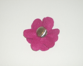 SALE: Magenta pink felt flower pin brooch with vintage silver button