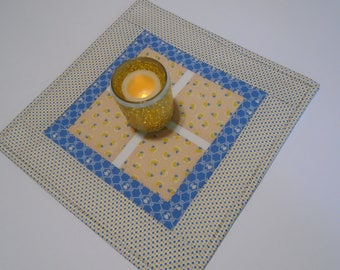 Quilted Table Topper in Yellow and Blue, Quilted Candle Mat, Retro Feedsack Reporduction Table Quilt, Vintage Style Table Runner, Table Mat
