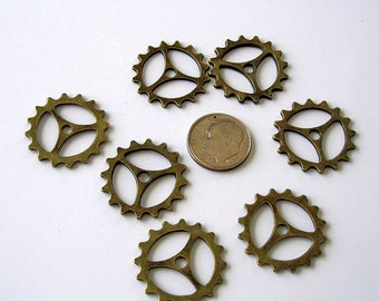 12 pcs- Antiqued Bronz  Plated Steampunk Gears Round Charms   .