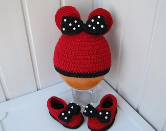 Booties for the baby, hat and booties, knitted hat, knitted booties, baby gift, Minnie Mouse, red, black, festive attire, ready for shipment