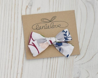 Hand-tied bow