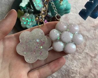 Glitter pastel daisy keychains