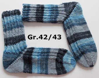 thick hand-knitted socks, Gr. 42/43 (EU), blue