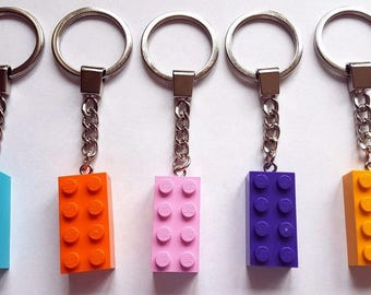 5 x Brick Keychains Keyrings (2x4 Stud) Mixed Colours NEW Party Bag Fillers (b) - Made From LEGO Parts